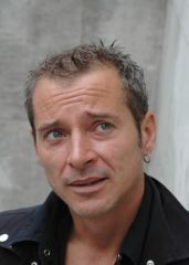 photoportraitcarylferey.png